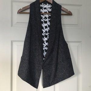 Cabi vest charcoal gray color Size Large